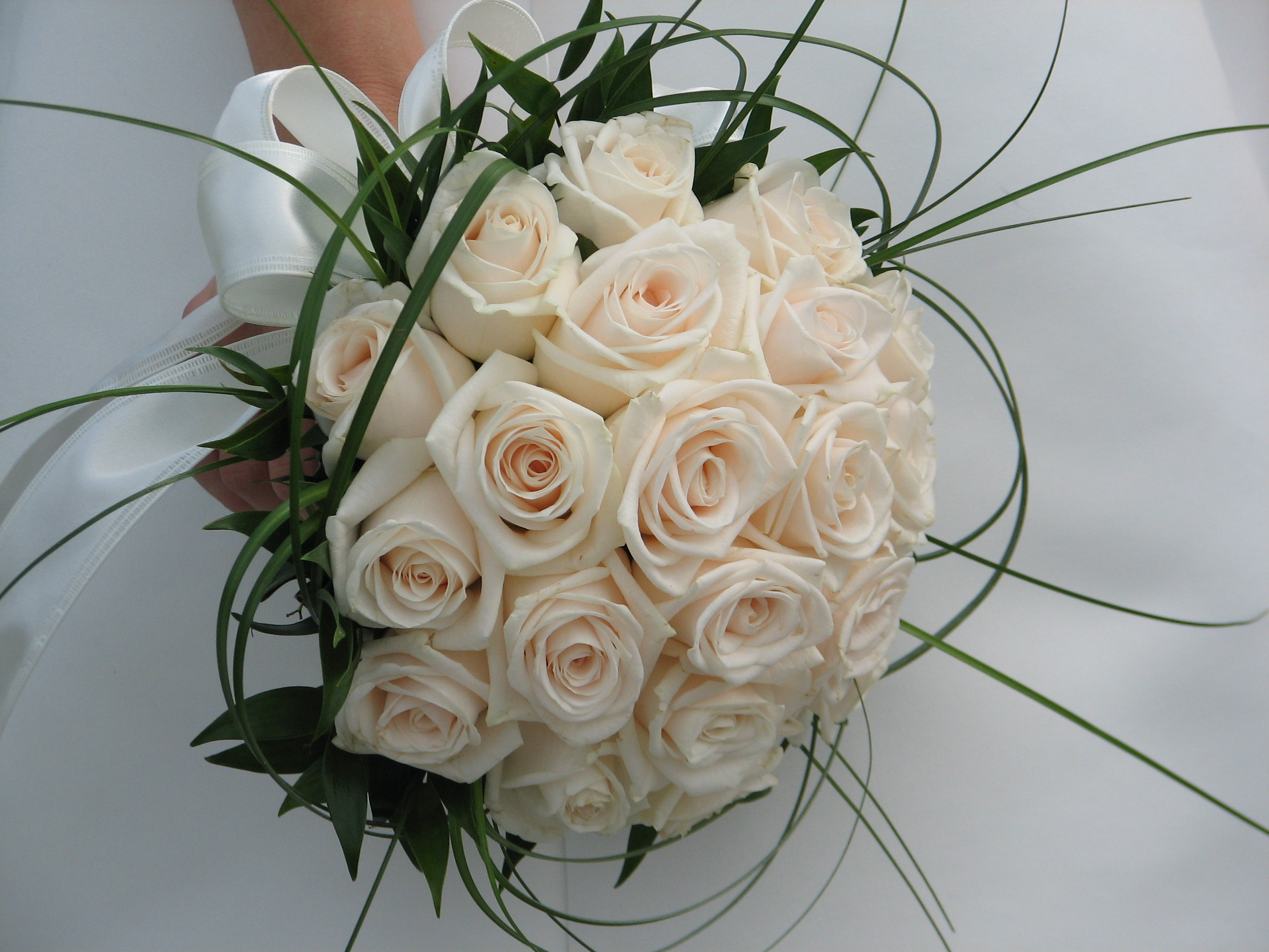 Bouquets with Seasonal Flowers For Weddings