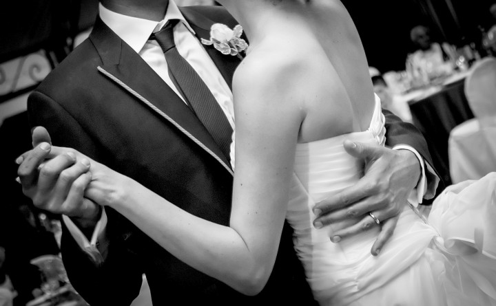 Top 5 Hottest Romantic Song for the First Dance