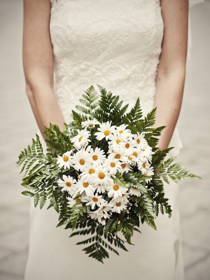 Wedding Bouquets Of Fragile Daisies